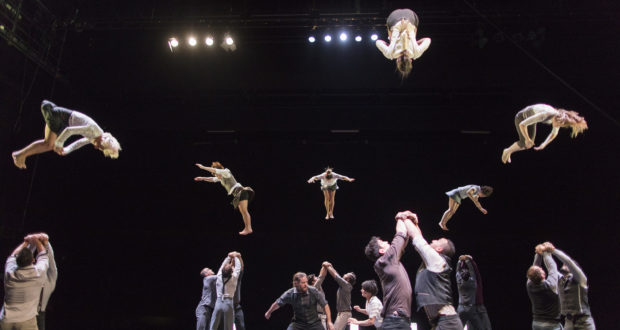 Compagnie XY It's Not Yet Midnight (photo by David Levene)